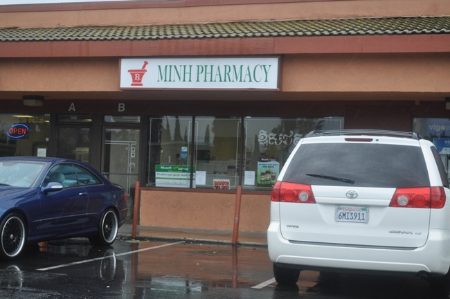 hoi_nhap_minh_pharmacy_medium
