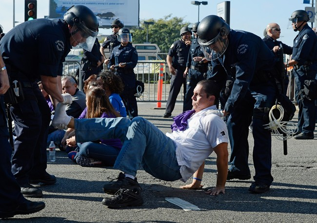 afp_protest_los_angeles_airport_2012