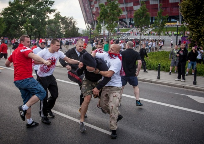 afp_euro_poland_russia_violence_2012_medium