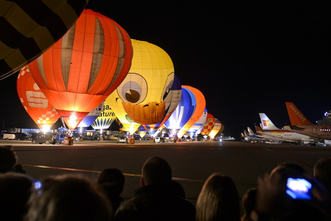 afp_geneva_balloon_festival_2012_medium