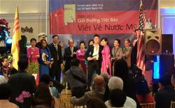 Le_Thi-Phuong_Dung_2012-large