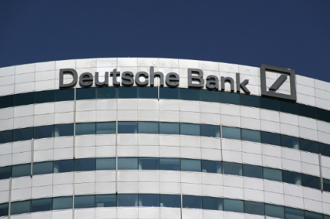 C_Ngan hang Deutsche Bank sa thai 18000 nguoi