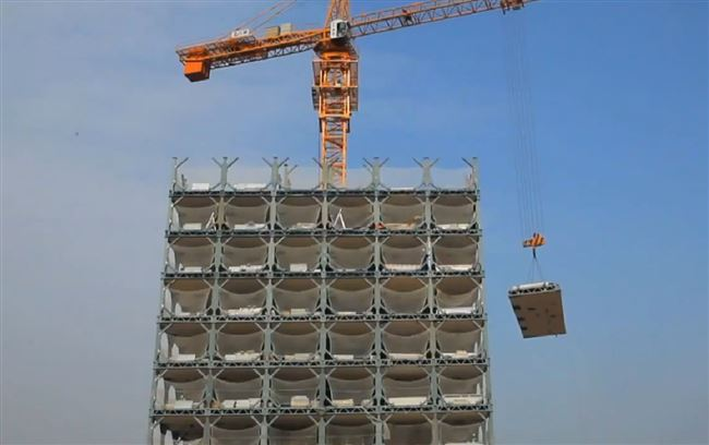 a_building_construction_high_rise_crane_resized