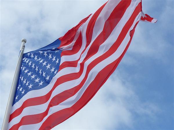 Chống Quốc Kỳ Là Chống Những Lý Tưởng Của Mỹ