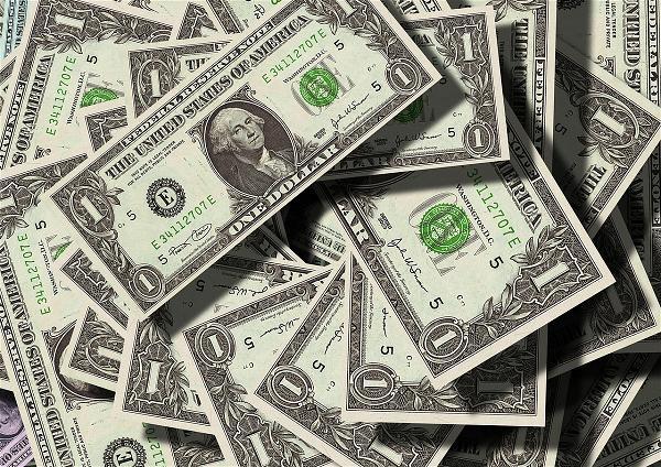 Linh Mục Gốc VN Trộm Tiền, 3 Năm Tù, Bị Tuyên 14 Tội