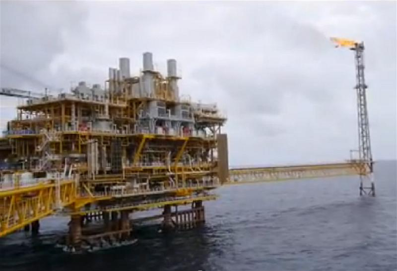 a-oil-field-offshore-rig-khoan-dau