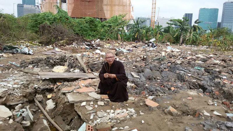Image result for chùa liên trì bị phá photos
