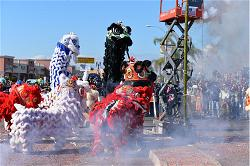 tet-parade-lion-dance