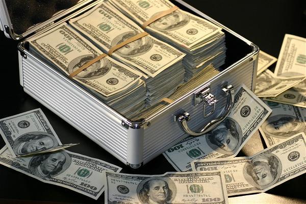 Wells Fargo Hiến 1 Triệu Đô Cứu Trợ Nạn Nhân Bão Harvey