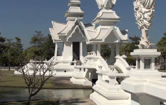 resized_a_thailand_temple_b