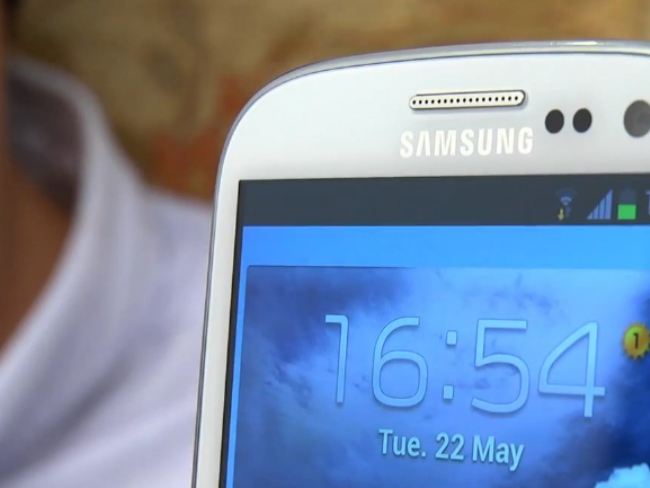 a_smartphone_phone_samsung_galaxy_s3