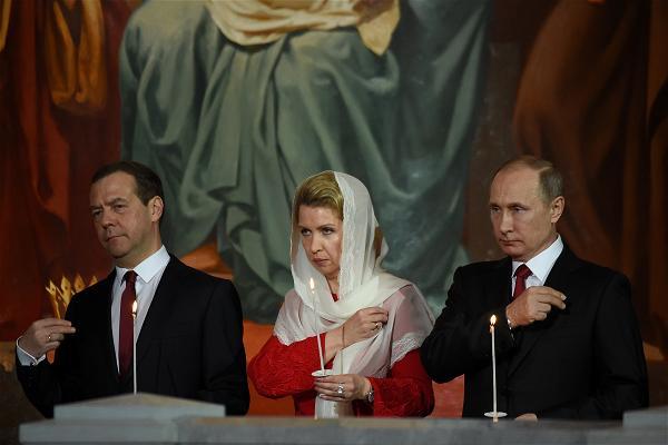 AFP_putin Easter