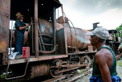 afp_cuban_repair_for_sugar_production-large-content