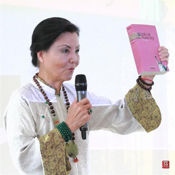 Kieu Chinh va sach
