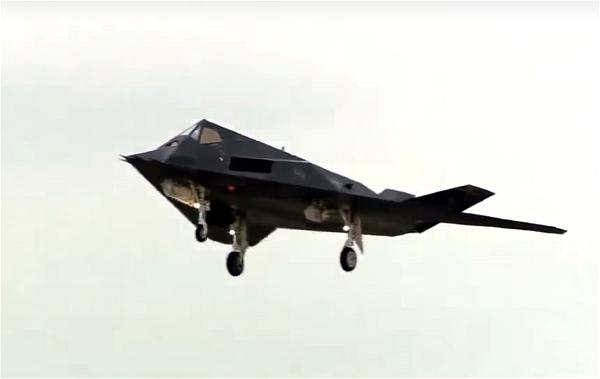 a-stealth-jet fighter chien-dau-co-tang-hinh