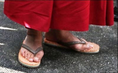 doi_dep_getty-sandals-large-content
