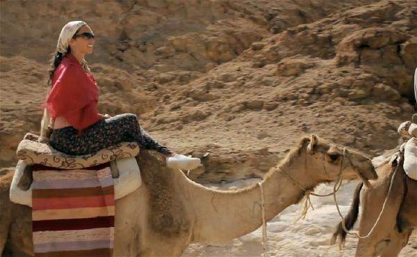a-camel-tourism-riding-desert
