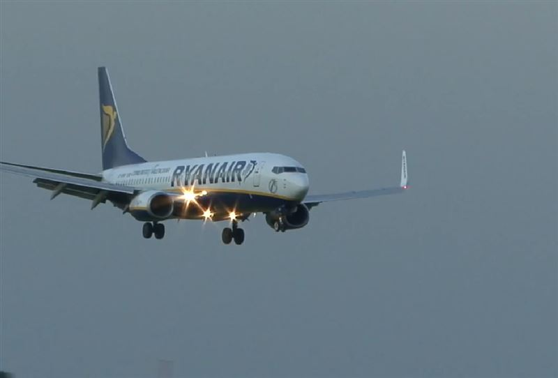 a-ryanair-airlines-copy-resized