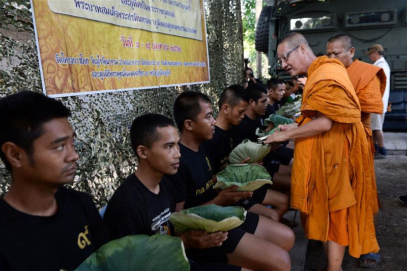 _AFP_monks marines Thailand