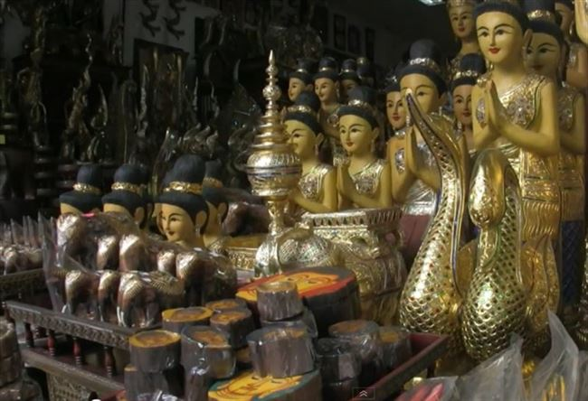 a_tourism_thai_buddha_statues_resized