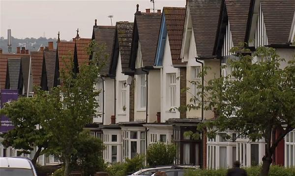 a-london-housing-house-street-home