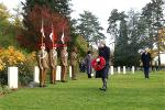 afp-soldier-bristis-theresa-may-commemorate