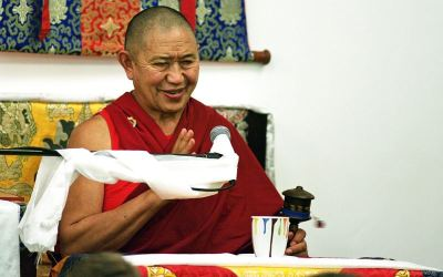 garchen_rinpoche_blessing2-large-content