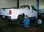 129_0207_02_z_2000_ford_f350_change_tires-large-content